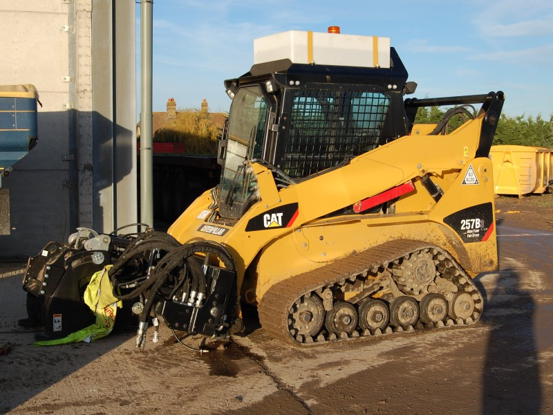 Skid Steer Hire Cat Track Loader